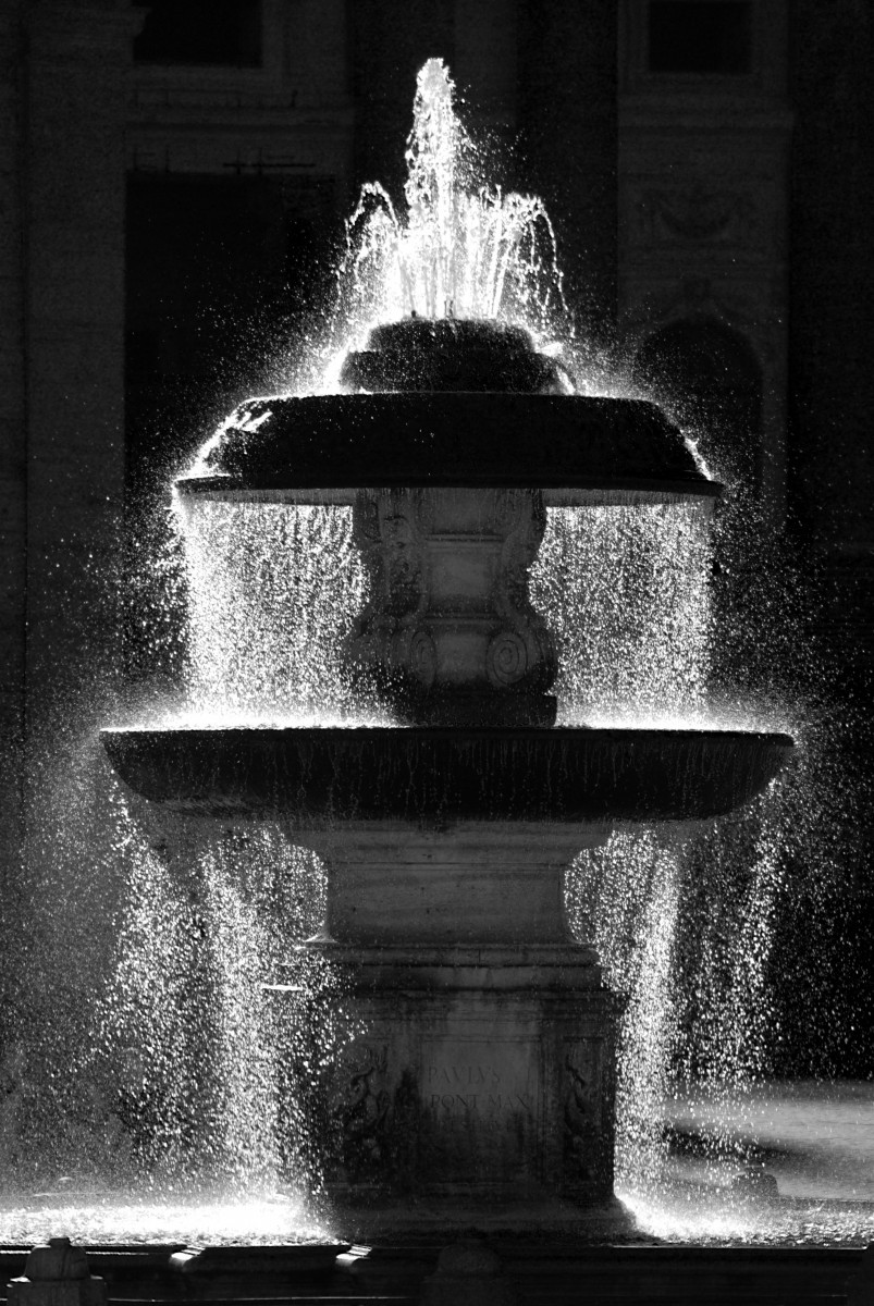 Bernini_Fountain BW ©LMOCooper 10x15