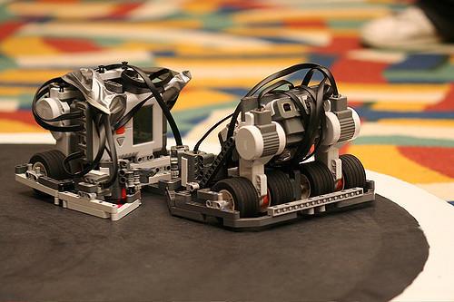 Lego Sumo Robots | Kirkland Town Library