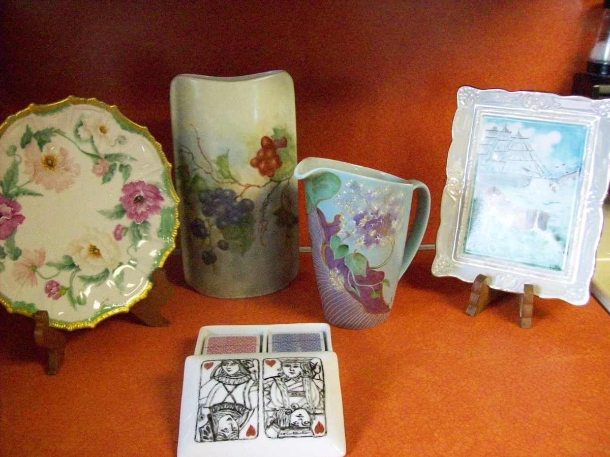 Members Of The Fort Stanwix Porcelain Artist Club Will Be At The Library  Giving A Live